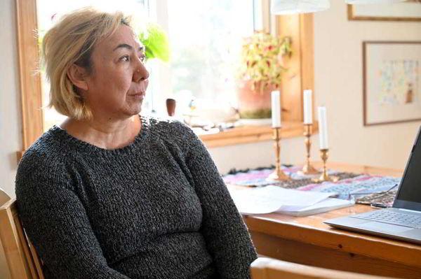 Власти Швеции отправляют женщину в казахскую тюрьму, а её сына - в приют